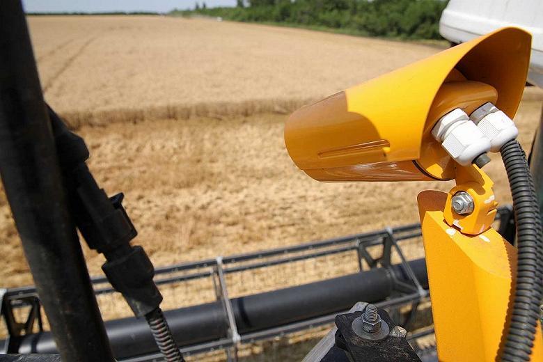 Для уборки зерна на Дону начали использовать беспилотные комбайны